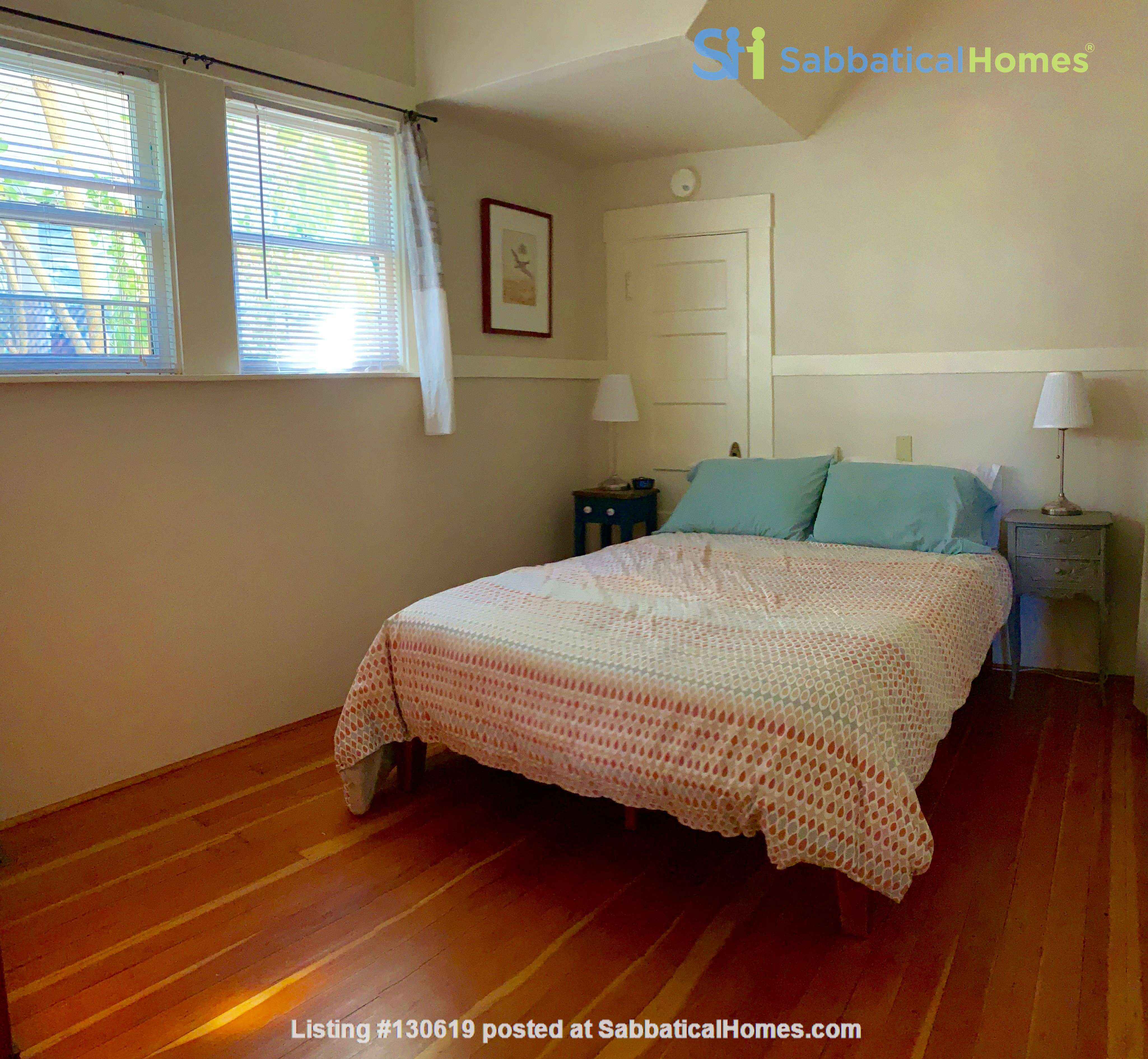 Sunny N. Berkeley 1 bed furnished apartment, short walk to CAL & BART Home Rental in Berkeley 2