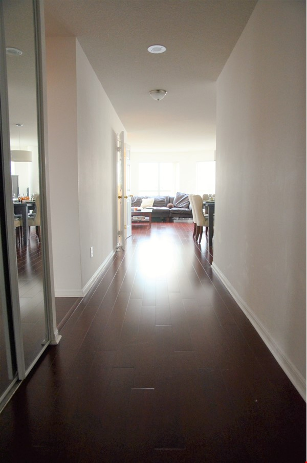 2 bdrm, 2 bthrm furnished condo in the heart of downtown Toronto Home Rental in Toronto 0 - thumbnail