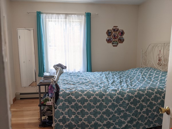 Furnished Bedroom w/Adjacent Bath in Gorgeous Art Deco House Near Tufts Home Rental in Medford 1 - thumbnail