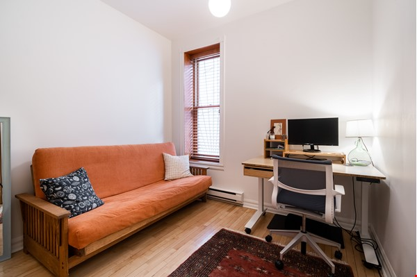 Stunning 3-Bedroom Apt on Most Beautiful Street in Montreal's Plateau Home Rental in Montreal 6 - thumbnail