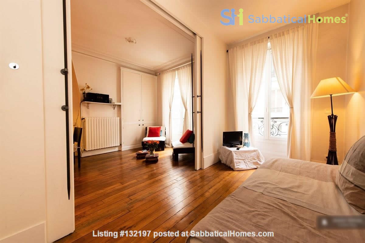 """A """"chic"""" apartment, only 2 blocks from Opera Bastille, 2 bedrooms. Home Rental in Paris, Île-de-France, France 8"""