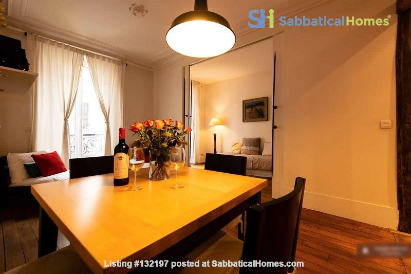 """A """"chic"""" apartment, only 2 blocks from Opera Bastille, 2 bedrooms. Home Rental in Paris, Île-de-France, France 0"""