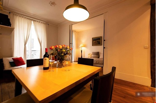 """A """"chic"""" apartment, only 2 blocks from Opera Bastille, 2 bedrooms. Home Rental in Paris 0 - thumbnail"""