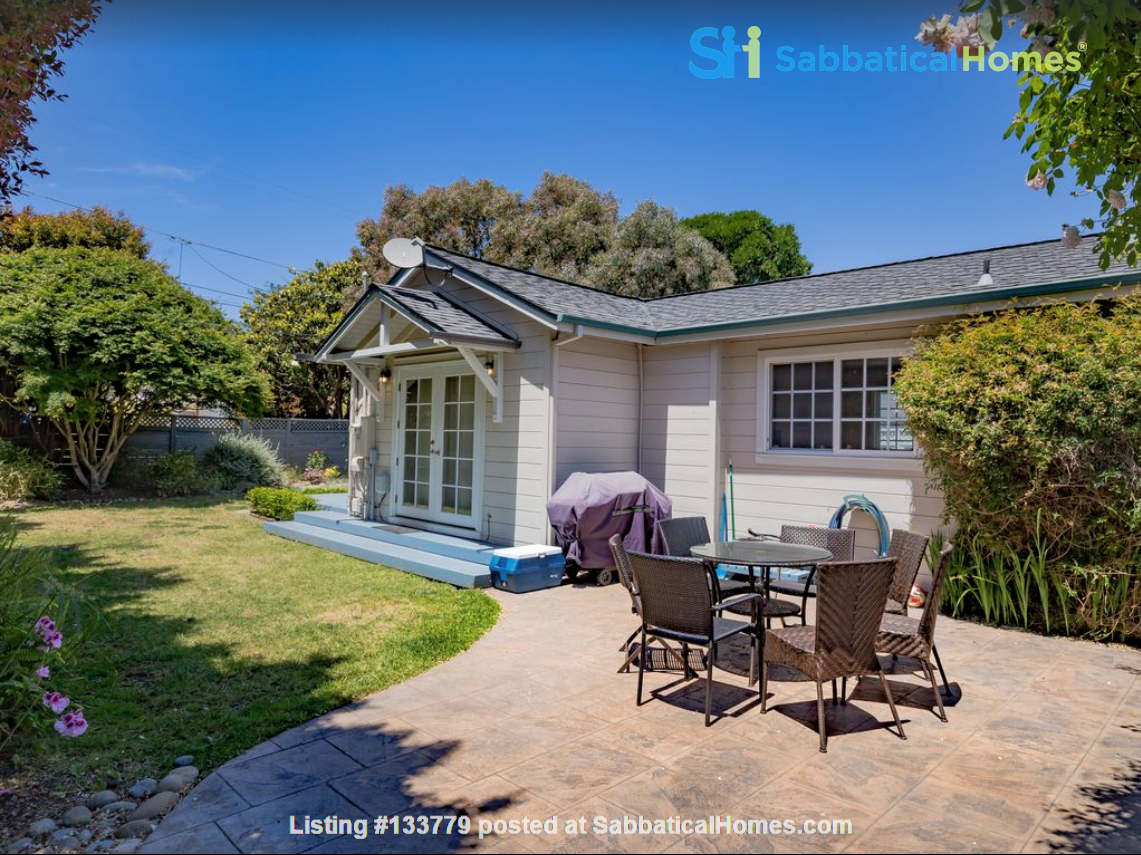Private and quiet Pleasure Point Oasis - a home away from home Home Rental in Santa Cruz, California, United States 9
