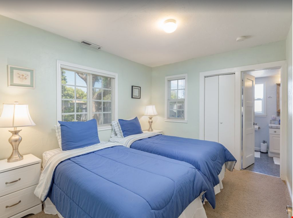 Private and quiet Pleasure Point Oasis - a home away from home Home Rental in Santa Cruz 8 - thumbnail