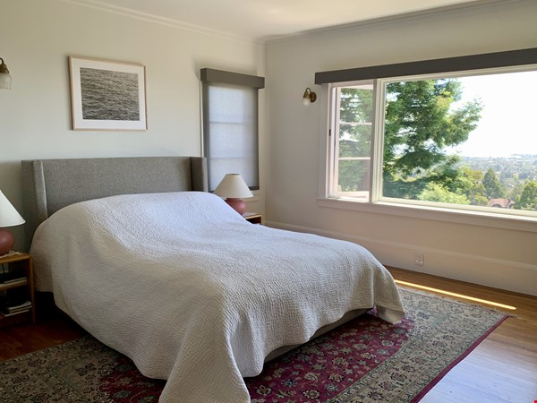 North Berkeley Hills House Near Campus with Panoramic Views Home Rental in Berkeley 9 - thumbnail