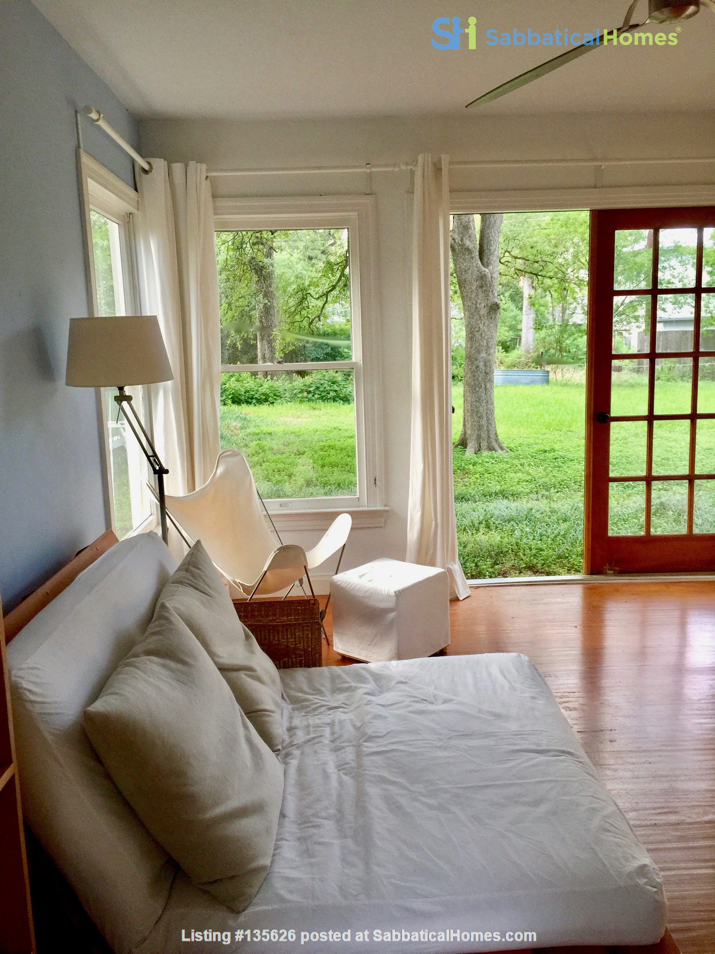 French Place Serenity--SHARE Large Furnished Home in Shady Neib. near UT Home Rental in Austin, Texas, United States 4