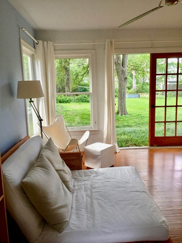 French Place Serenity--SHARE Large Furnished Home in Shady Neib. near UT Home Rental in Austin 4 - thumbnail