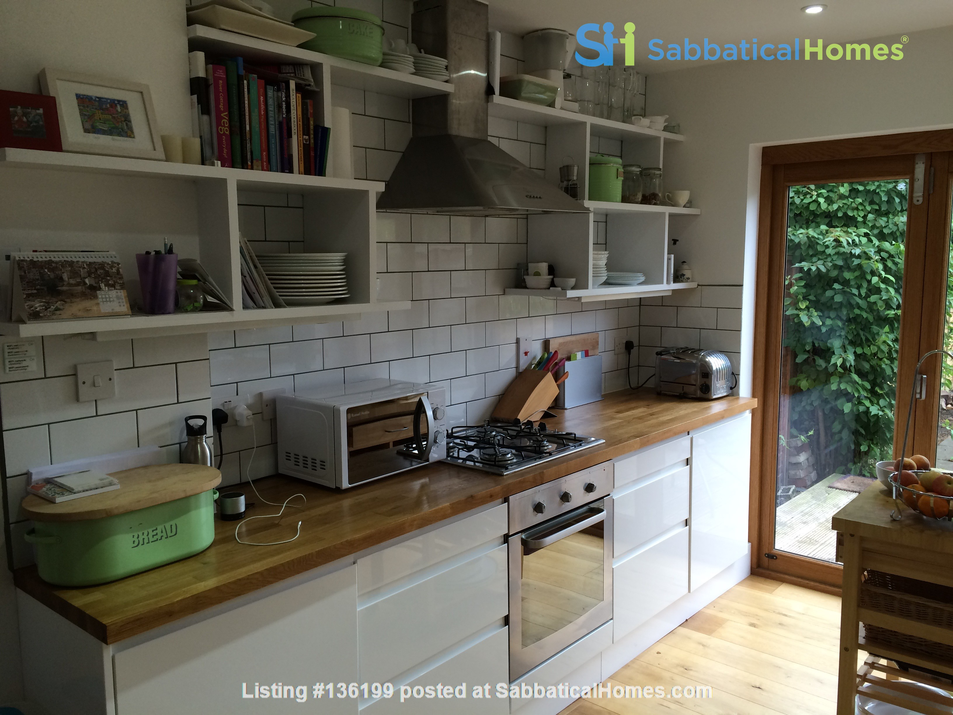 Three bedroom terraced house in Central East Oxford Home Rental in Oxfordshire, England, United Kingdom 4