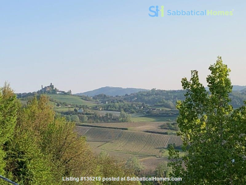 Beautiful  peaceful villa in Piedmont. for fine Italian cuisine and wine, Home Rental in Orsara Bormida, Piemonte, Italy 0