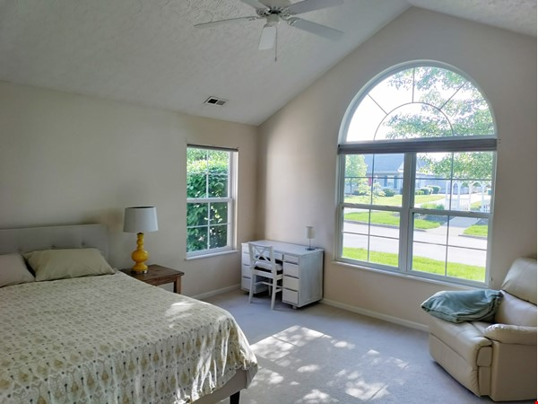 Spacious & bright 2-bed, 2-bath condo in New Albany, all utilities included Home Rental in New Albany 4 - thumbnail
