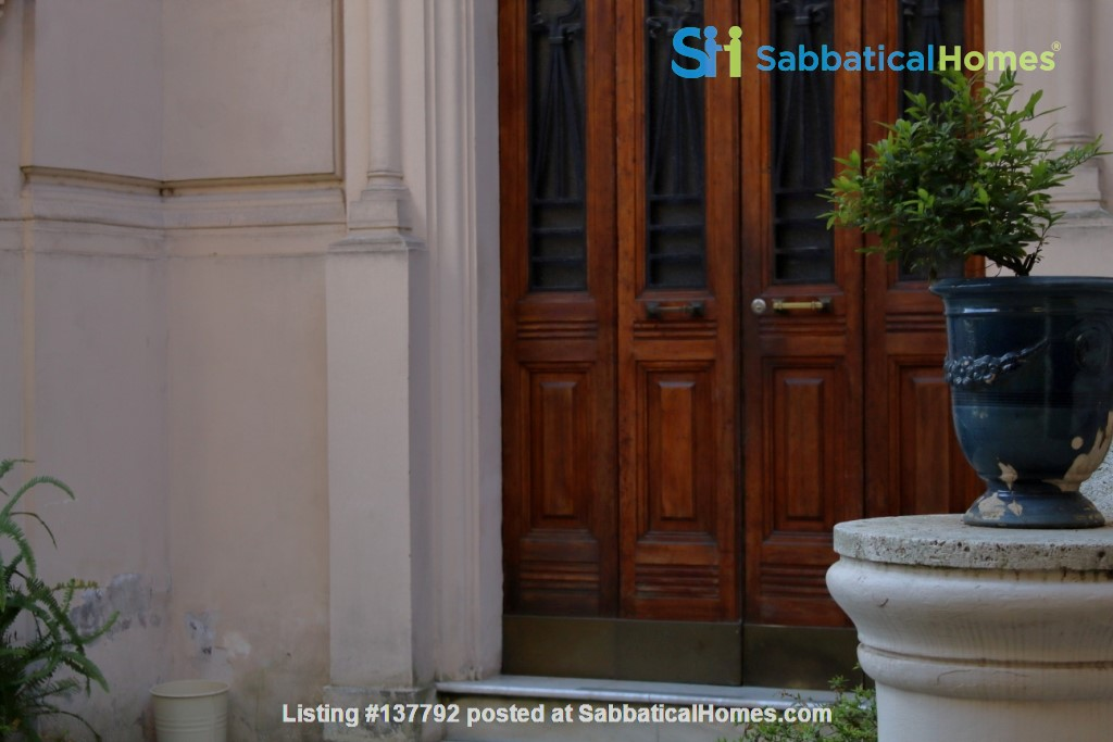 Sunny and stylish apartment in Old Jewish Area Home Rental in Rome, Lazio, Italy 9