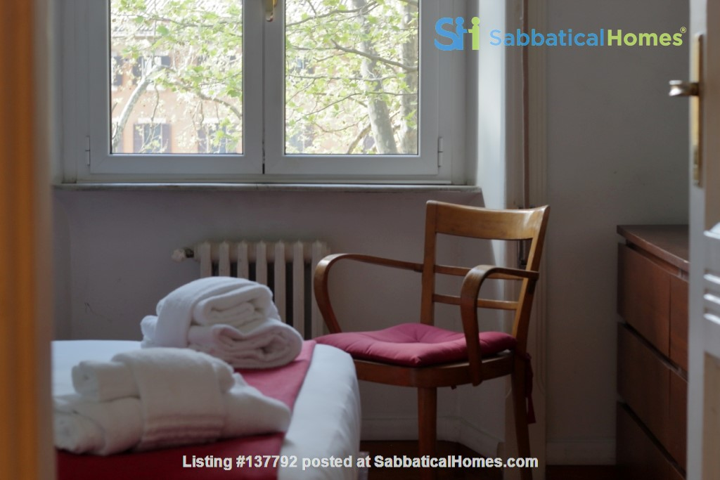 Sunny and stylish apartment in Old Jewish Area Home Rental in Rome, Lazio, Italy 3
