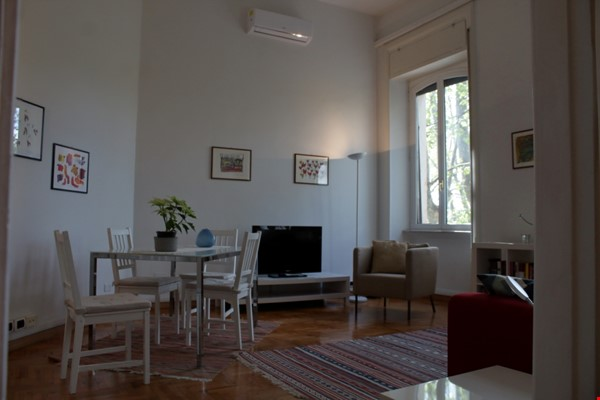 Sunny and stylish apartment in Old Jewish Area Home Rental in Rome 6 - thumbnail