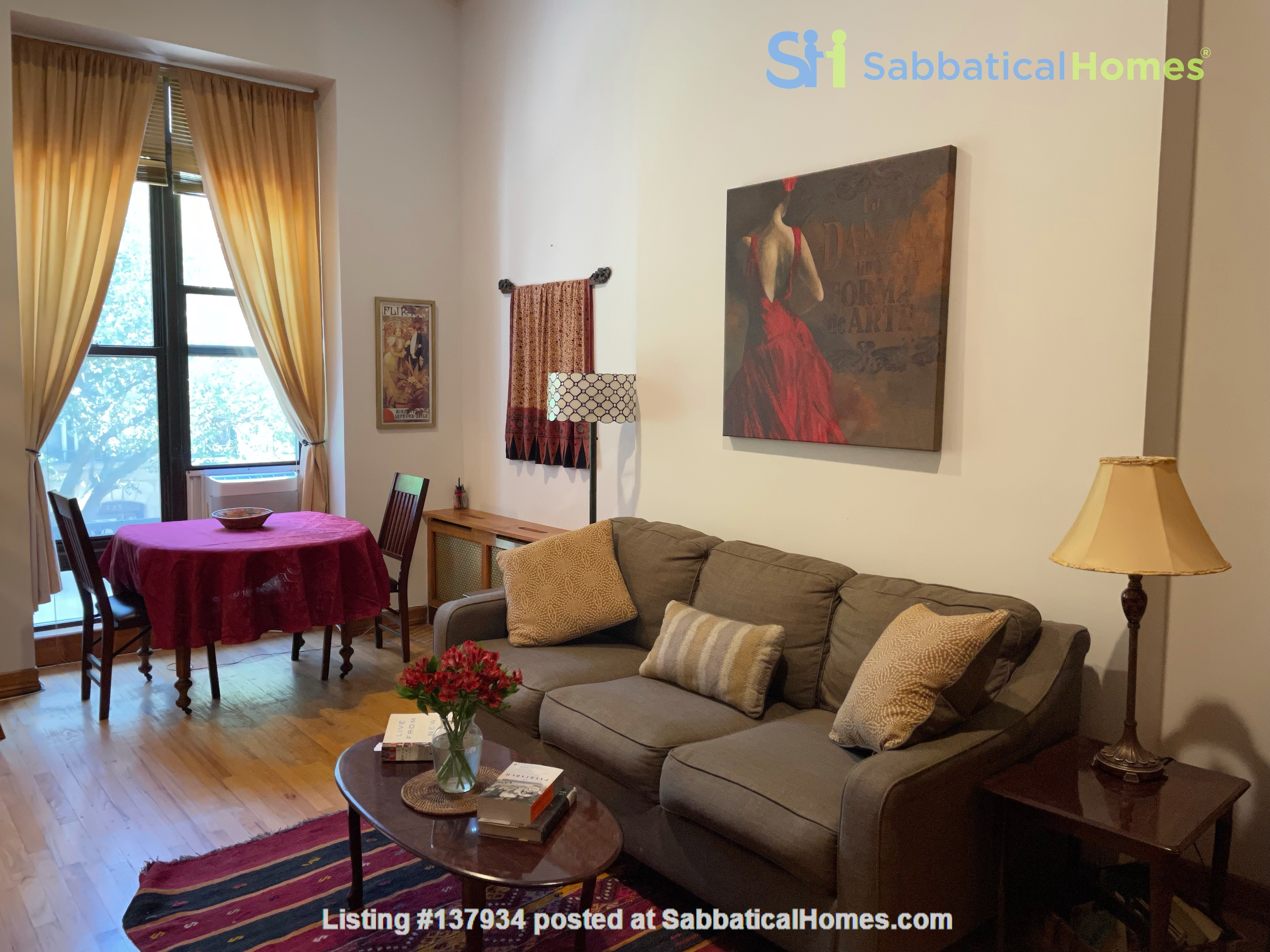 UWS Studio next to Riverside Park and the 72nd Subway Home Rental in New York, New York, United States 0