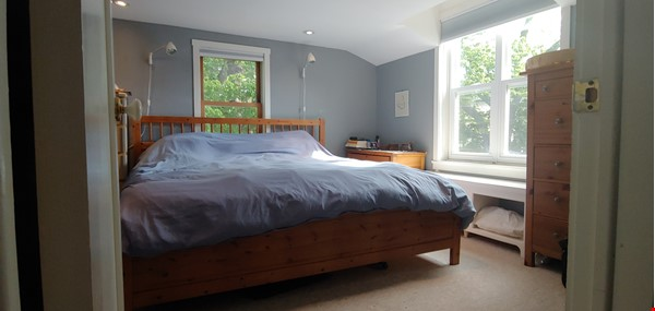 Garden Oasis - Ideal for professionals/family- 3 Bdrm  Birch Cliff Heights Home Rental in Toronto 8 - thumbnail