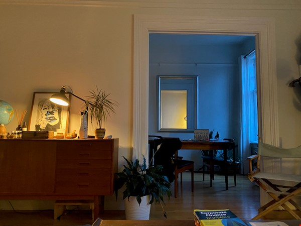 Beautiful Character Apartment in South Granville/Kitsilano Home Rental in Vancouver 0 - thumbnail