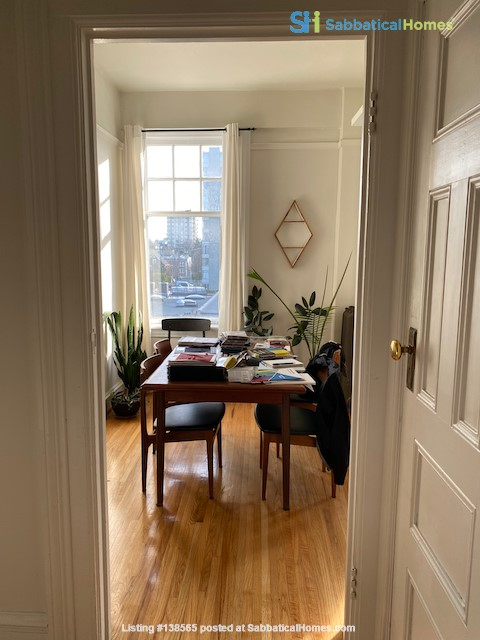 Beautiful Character Apartment in South Granville/Kitsilano Home Rental in Vancouver, British Columbia, Canada 3