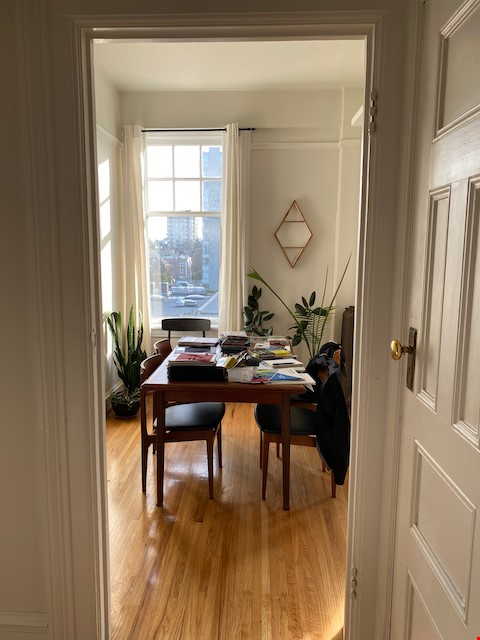 Beautiful Character Apartment in South Granville/Kitsilano Home Rental in Vancouver 3 - thumbnail