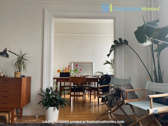 Beautiful Character Apartment in South Granville/Kitsilano Home Rental in Vancouver, British Columbia, Canada 1