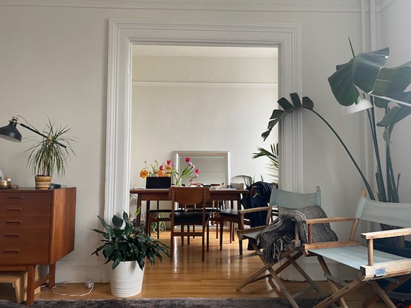 Beautiful Character Apartment in South Granville/Kitsilano Home Rental in Vancouver 1 - thumbnail