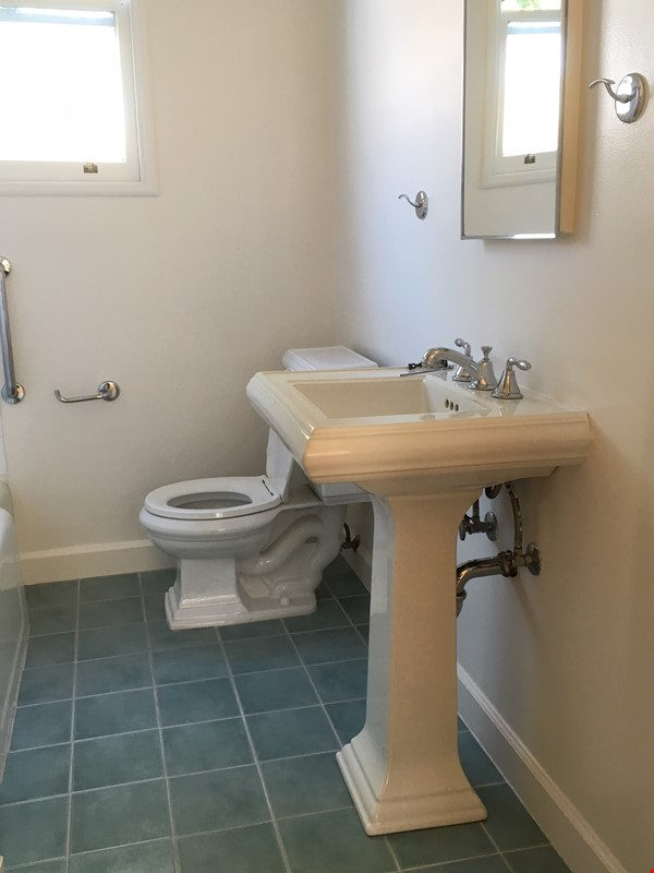Furnished studio apartment in central Berkeley Home Rental in Berkeley 5 - thumbnail