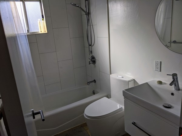 Beautiful Furnished 3 Bd/ 2 Ba Sunny Home in the heart of Silicon Valley Home Rental in Sunnyvale 7 - thumbnail
