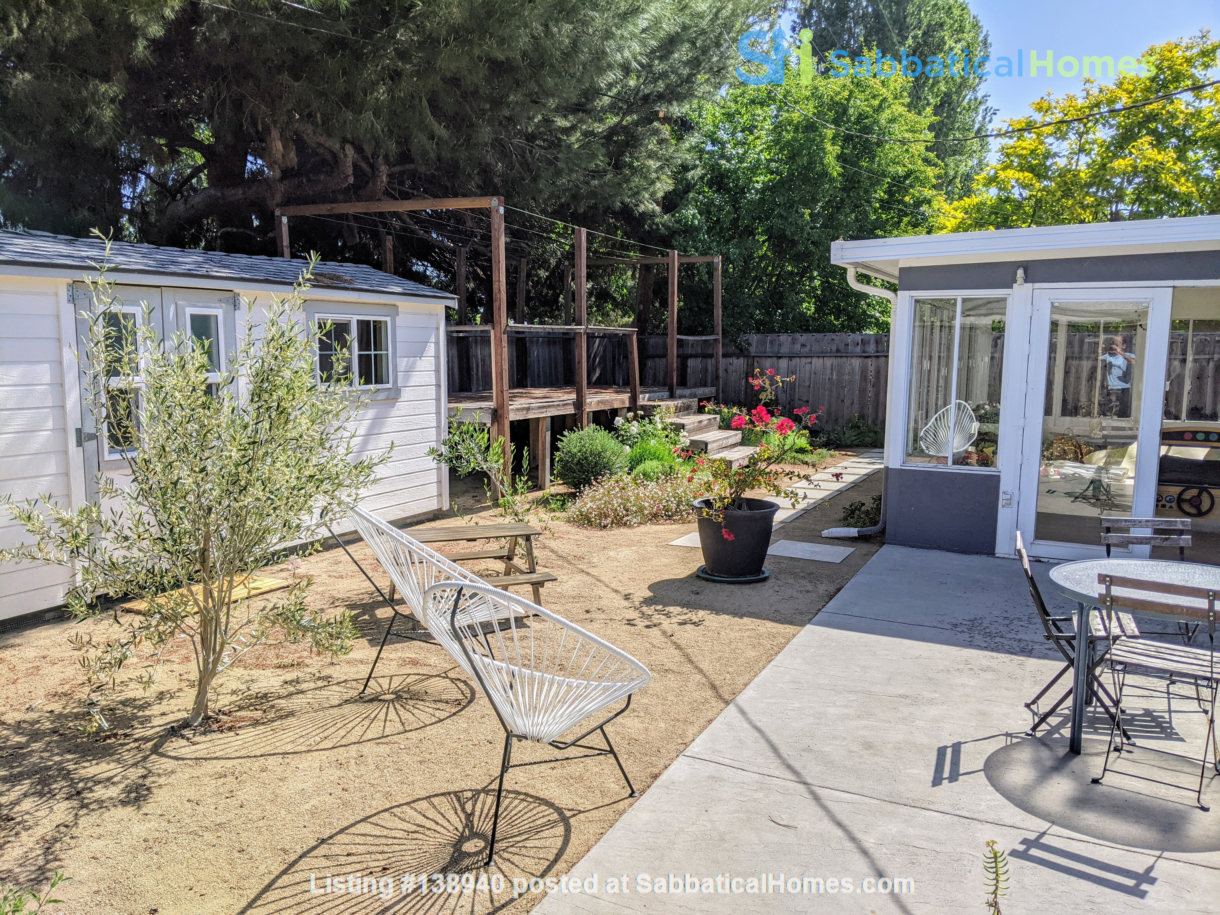 Beautiful Furnished 3 Bd/ 2 Ba Sunny Home in the heart of Silicon Valley Home Rental in Sunnyvale, California, United States 9