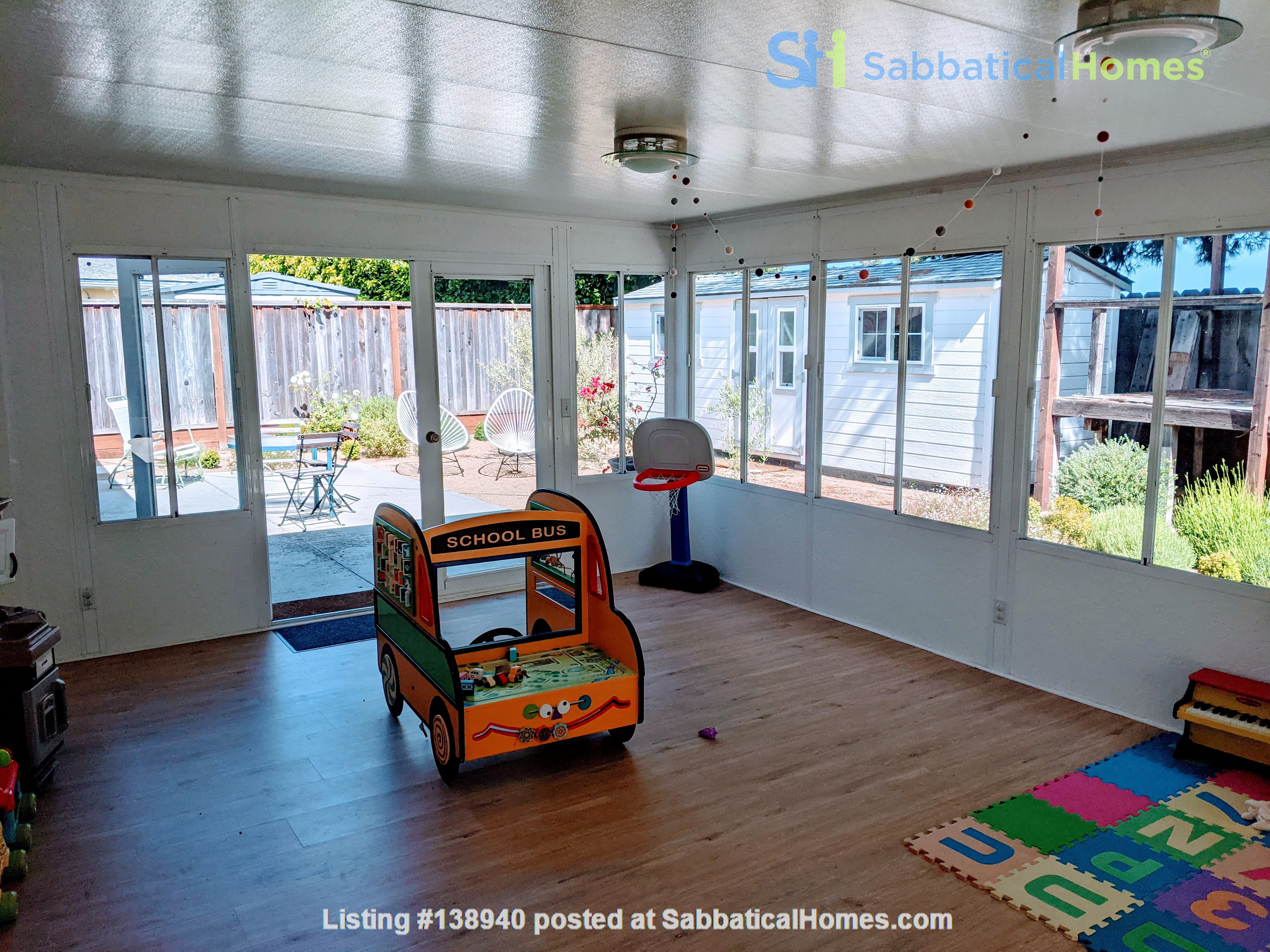 Beautiful Furnished 3 Bd/ 2 Ba Sunny Home in the heart of Silicon Valley Home Rental in Sunnyvale, California, United States 2
