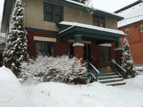 Charming 2BR home in The Glebe Home Rental in Ottawa 1 - thumbnail