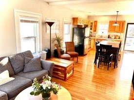 Lakeside Living, 5-min walk to Quaint New England Town Home Rental in Wakefield 1 - thumbnail