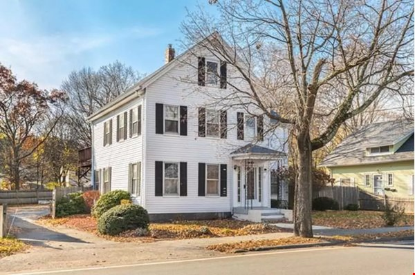 Lakeside Living, 5-min walk to Quaint New England Town Home Rental in Wakefield 6 - thumbnail