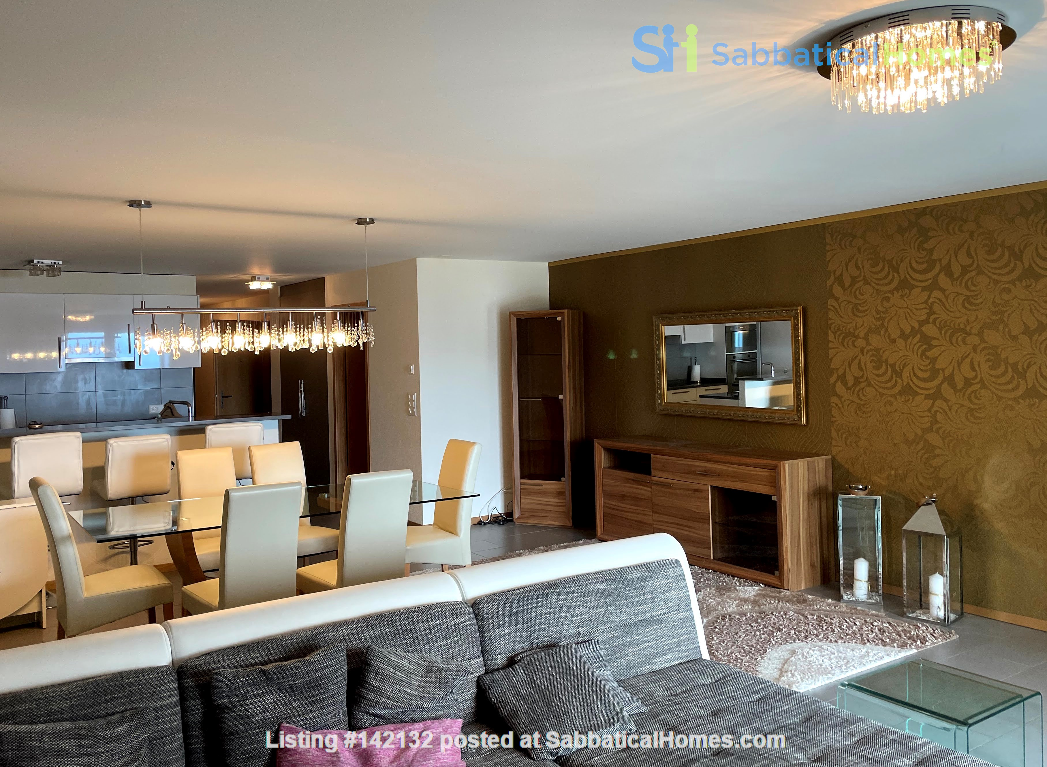 Furnished upscale flat for rent with 3 bedrooms and amazing view near Vevey Home Rental in Chardonne, Vaud, Switzerland 3