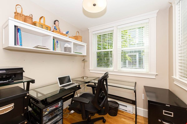 Beautifully Renovated Furnished Single Family Home. Home Rental in Cambridge 5 - thumbnail