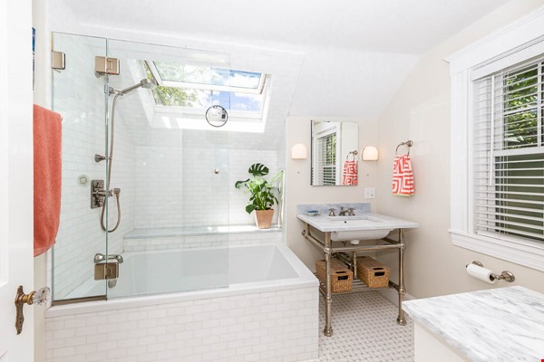 Beautifully Renovated Furnished Single Family Home. Home Rental in Cambridge 6 - thumbnail