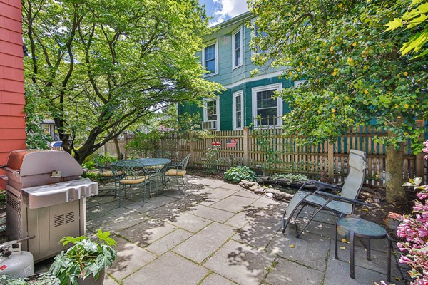 Beautifully Renovated Furnished Single Family Home. Home Rental in Cambridge 9 - thumbnail