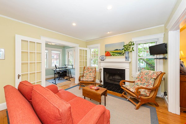 Beautifully Renovated Furnished Single Family Home. Home Rental in Cambridge 1 - thumbnail