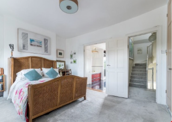 Beautiful terraced 3/4 Bedroom Georgian home in Brixton, London Home Rental in  6 - thumbnail