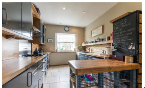 Beautiful terraced 3/4 Bedroom Georgian home in Brixton, London Home Rental in  3 - thumbnail
