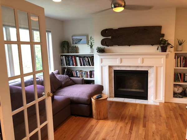 Convenient and Gracious Upstate New York--natural beauty, walk to campus Home Rental in Syracuse 4 - thumbnail