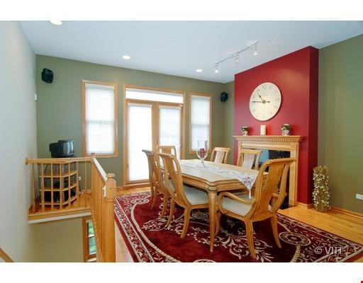 Quiet home amongst everything you can ask for - Wicker Park Home Rental in Chicago 1 - thumbnail