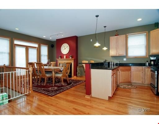 Quiet home amongst everything you can ask for - Wicker Park Home Rental in Chicago 0 - thumbnail