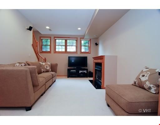 Quiet home amongst everything you can ask for - Wicker Park Home Rental in Chicago 6 - thumbnail
