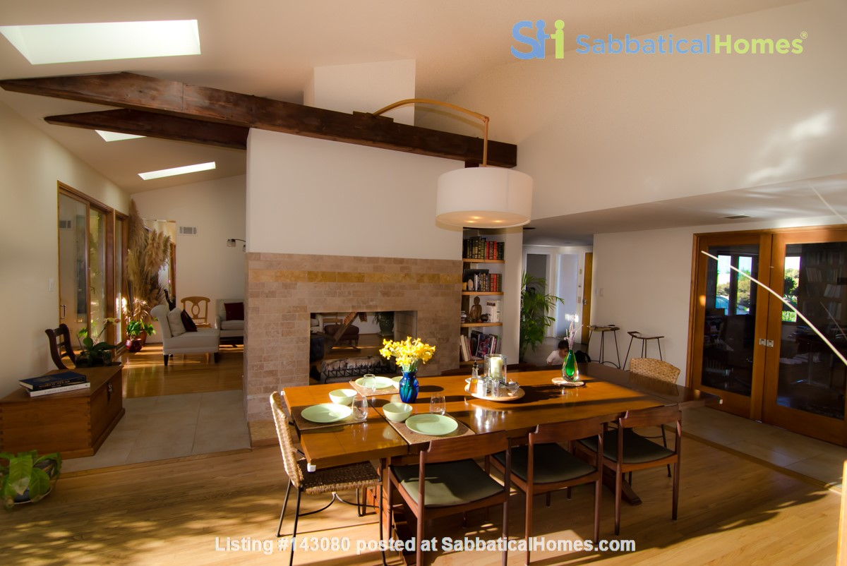 Mid-Century Modern house near Technology Hub & Universities Home Rental in Los Angeles, California, United States 3