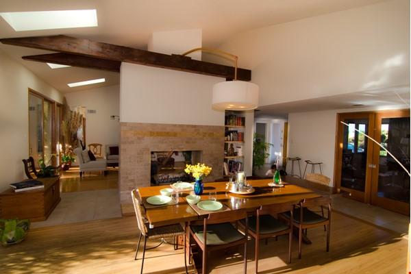 Mid-Century Modern house near Technology Hub & Universities Home Rental in Los Angeles 3 - thumbnail