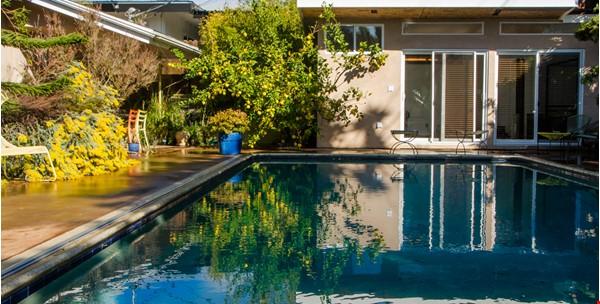 Mid-Century Modern house near Technology Hub & Universities Home Rental in Los Angeles 6 - thumbnail