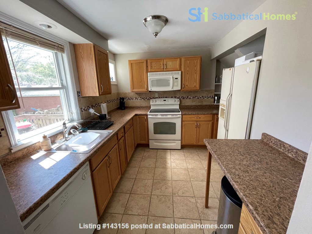 Flexible lease - large 3 bedroom townhouse - central location Home Rental in State College, Pennsylvania, United States 4