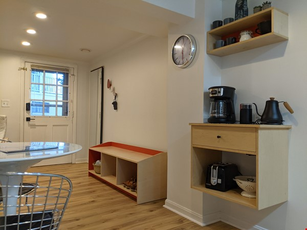 Retro basement suite with office, near DC Home Rental in Silver Spring 3 - thumbnail