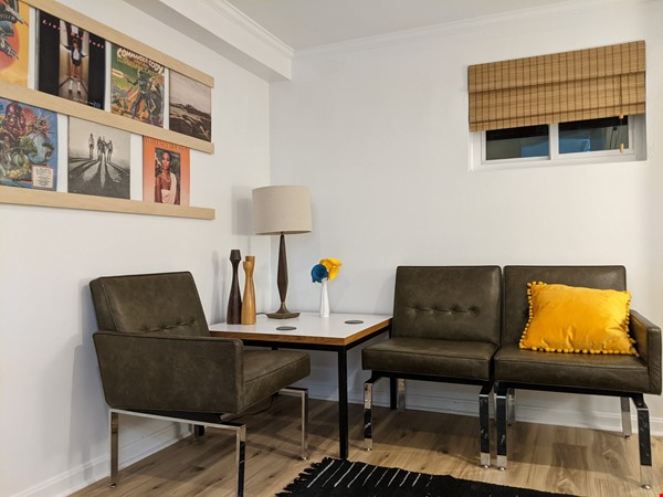 Retro basement suite with office, near DC Home Rental in Silver Spring 0 - thumbnail