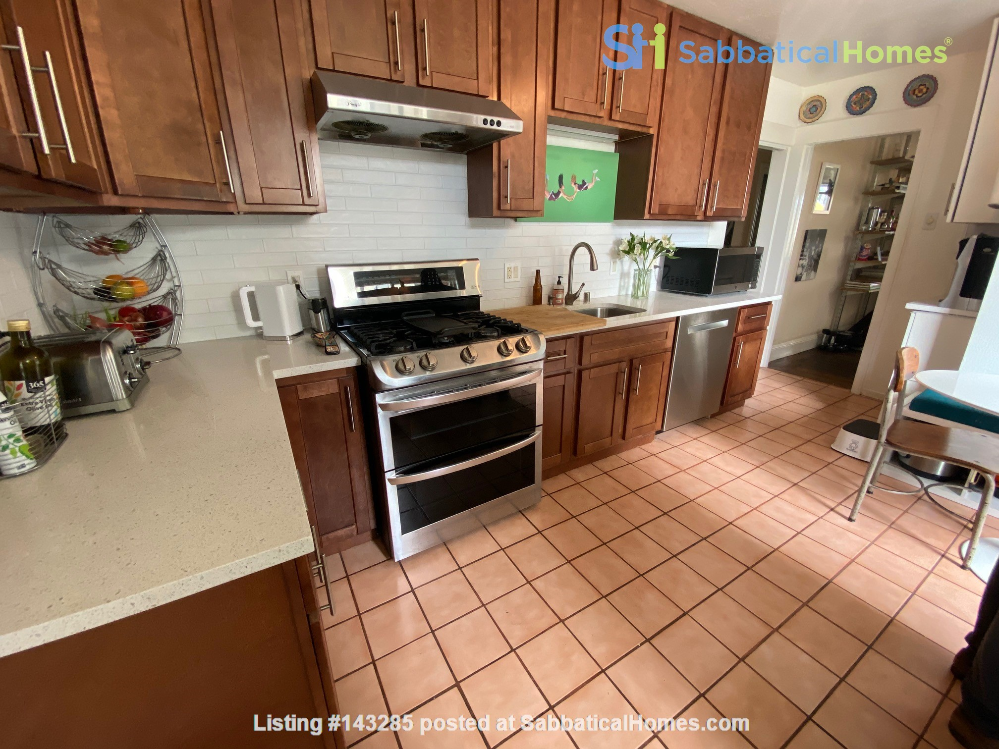 Spacious View Home  3 B/R+, 2 BA, Large Deck and Yard, Parking, W/D Home Rental in San Francisco, California, United States 9